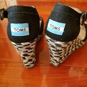 Toms Shoes - Toms wedges black, worn once